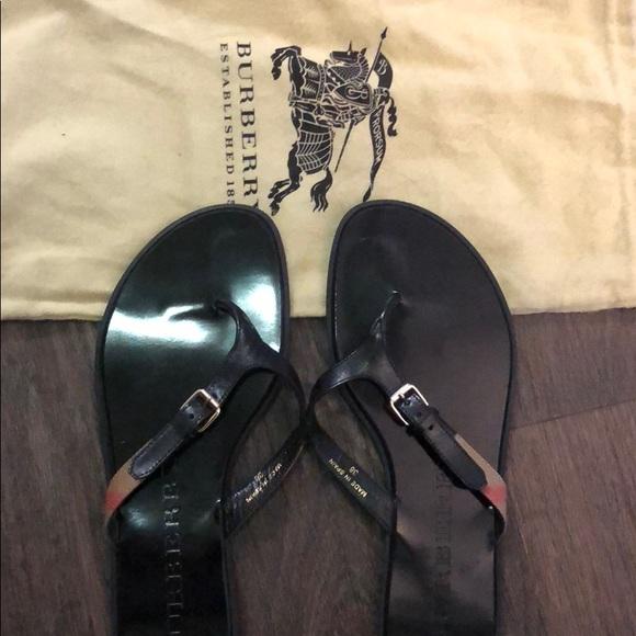 4d0242493ff853 Burberry Shoes - Burberry flip flops